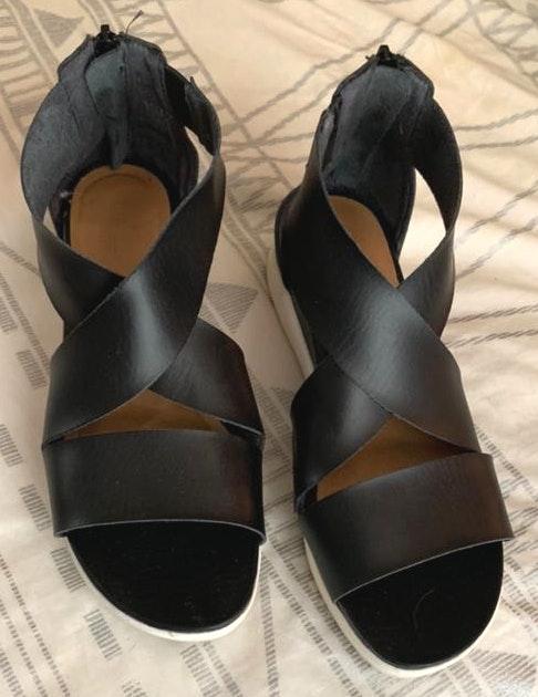 Universal Thread Black Strappy Sandals