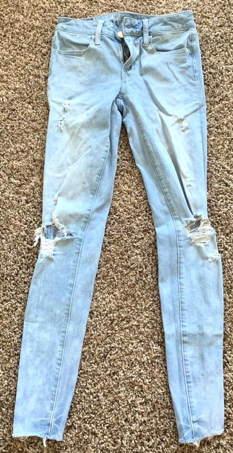 American Eagle Outfitters Light Wash Low Rise Jeans