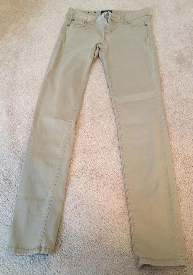 50% off price reduced 100% authentic Celebrity Pink Skinny Khakis