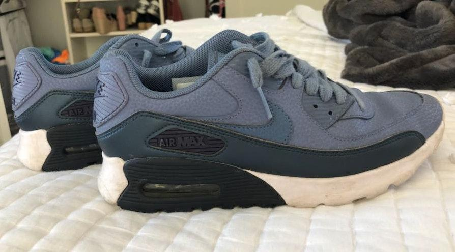 Nike Navy And Blue Airmaxes