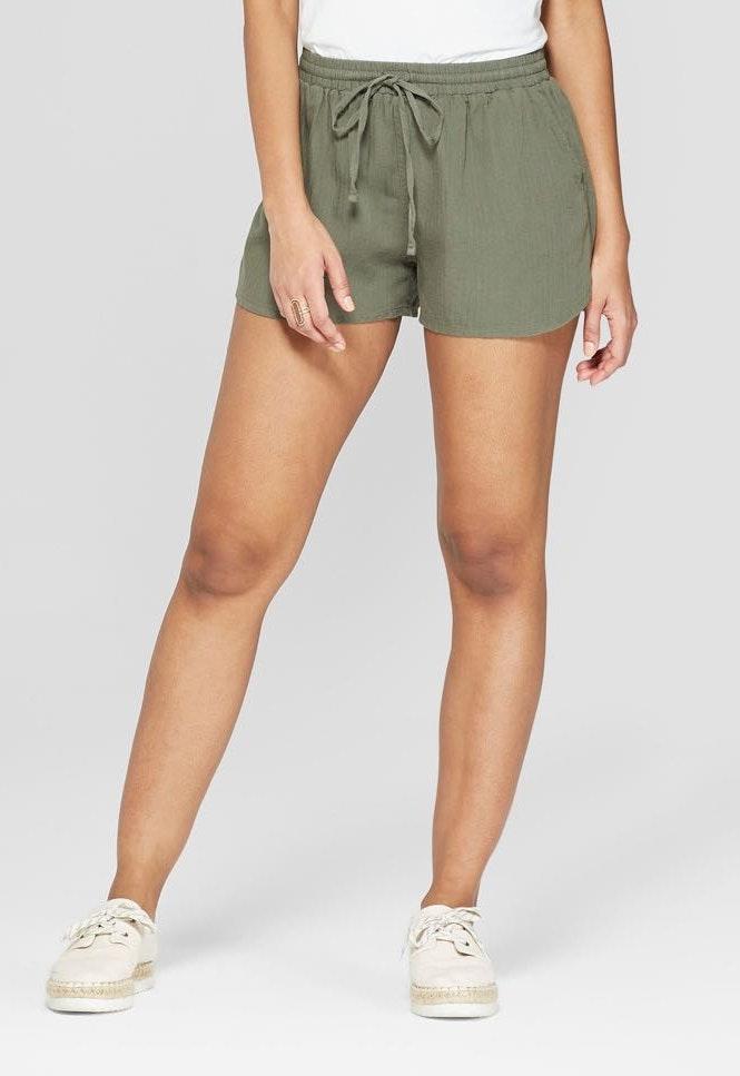 Universal Thread green pull on shorts