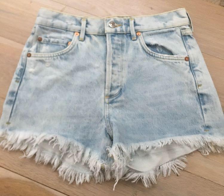AGOLDE Cutoff Denim Shorts