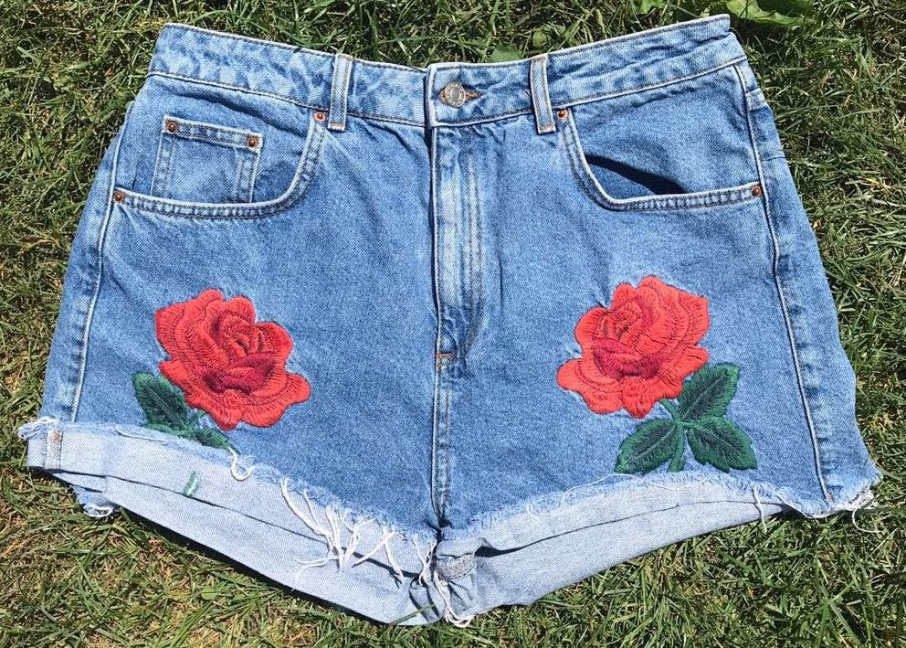 Topshop High Waisted Distressed Rose Embroidered Jean Denim Mom Shorts