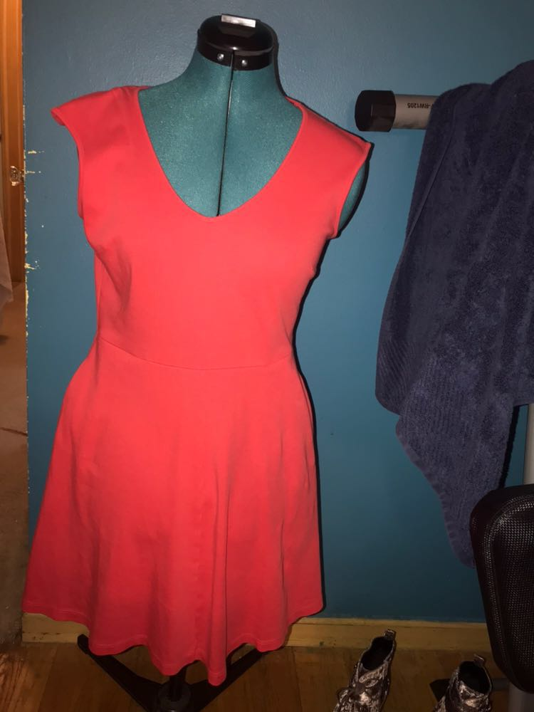New York & Co. Flattering Orange fit and flare dress with pockets!