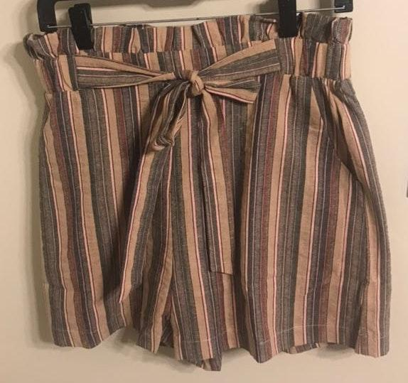 Entro NWT  Boutique Paperbag Waist Shorts
