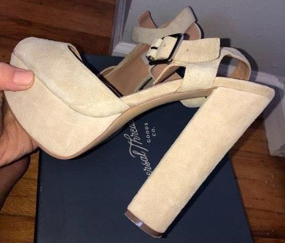 Steve Madden nude chunky heels