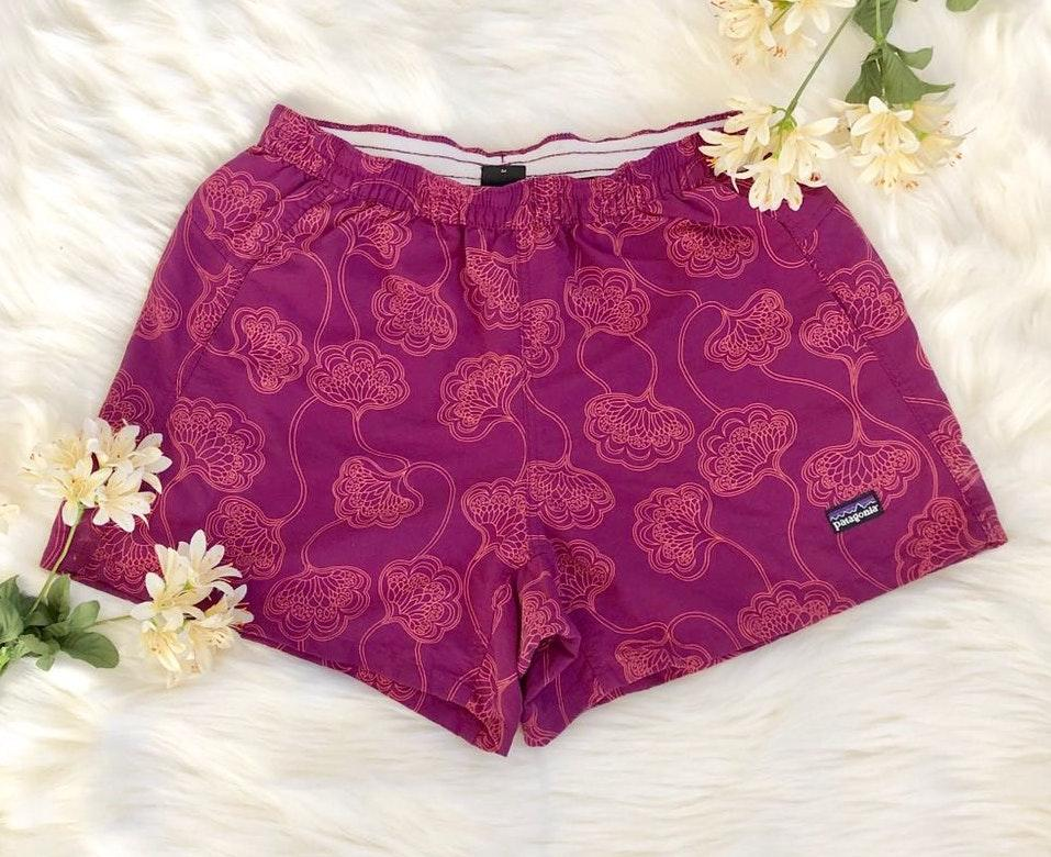 Patagonia purple floral vintage nylon shorts sz S