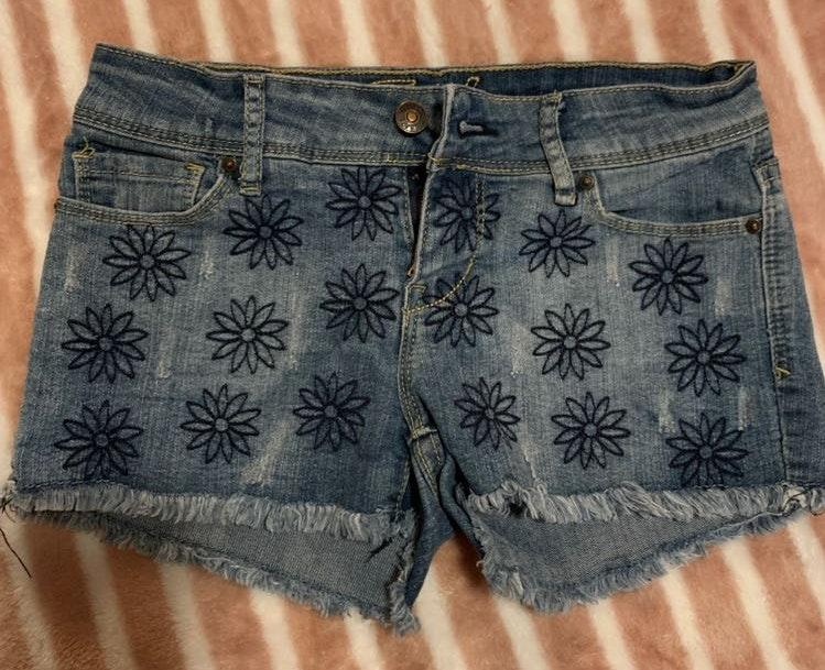 Delias Flower Denim Shorts