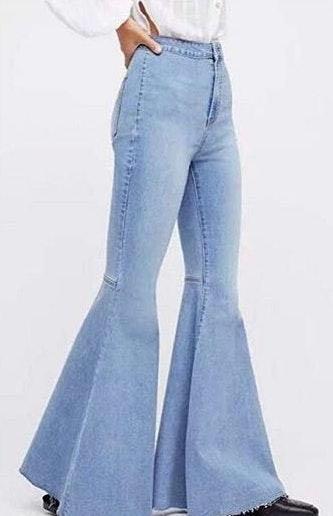 Light Flare Jeans