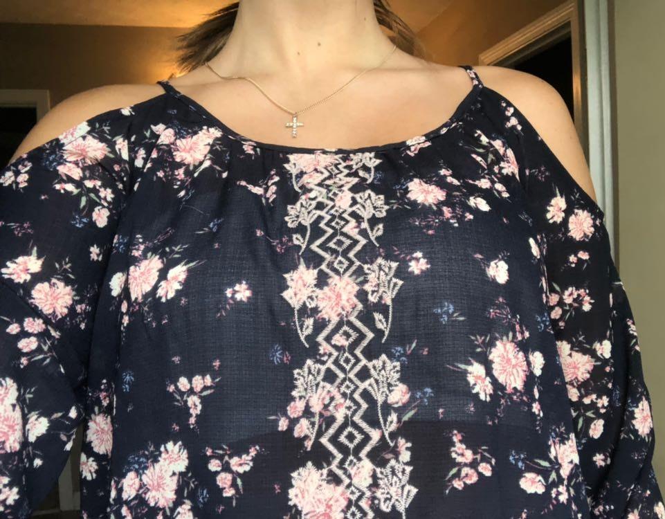 Rewind<< Of the Shoulder Floral Shirt