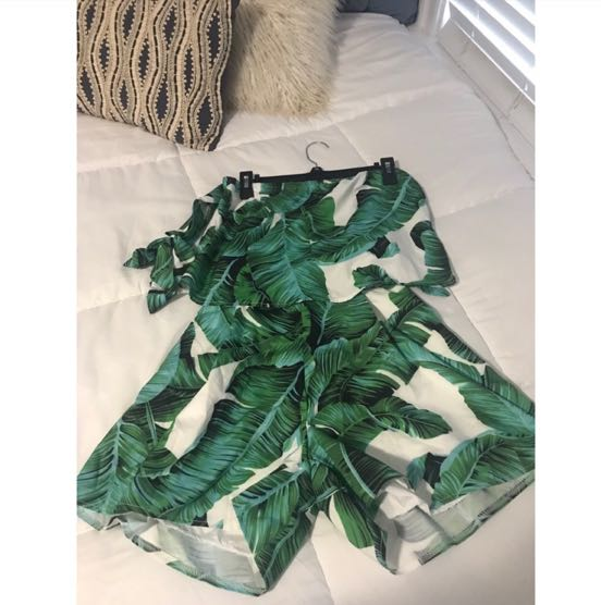 Palm Leaf Two Piece Set