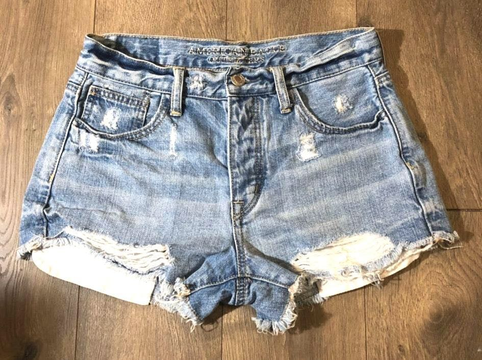 American Eagle Outfitters Distressed Light Wash Jeans Shorts
