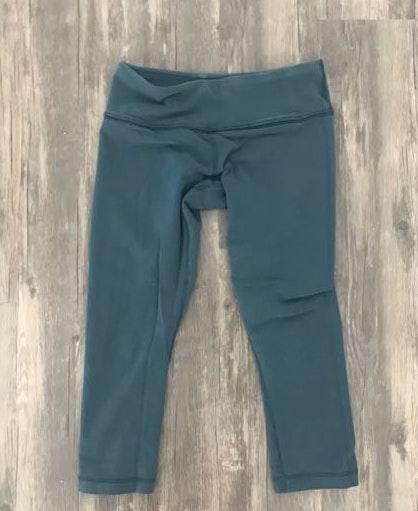 1a41176852 Lululemon dark blueish teal leggings size 4-6   Curtsy