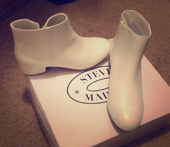 Steve Madden NWT White Booties