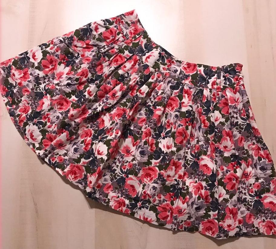 Forever 21 Forever21 Fully Lined Floral Rose Print Skater Skirt Juniors Size Large