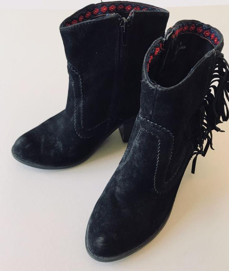 Bamboo Fringe Suede Ankle Boots