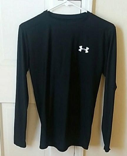Under Armour dry fit black long sleeve shirt