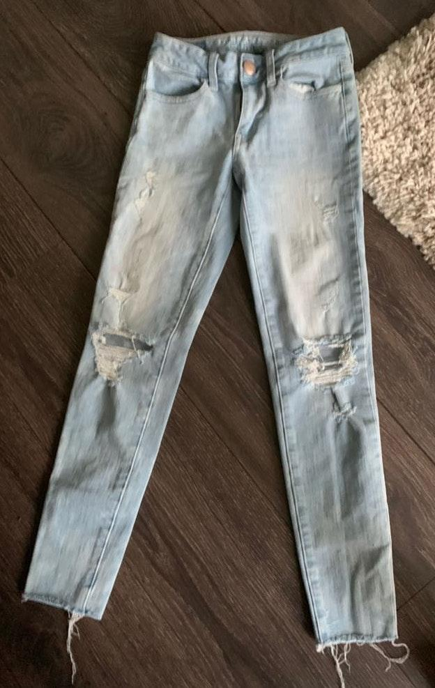 American Eagle Outfitters American Eagle Light Wash Ripped Blue Jeans