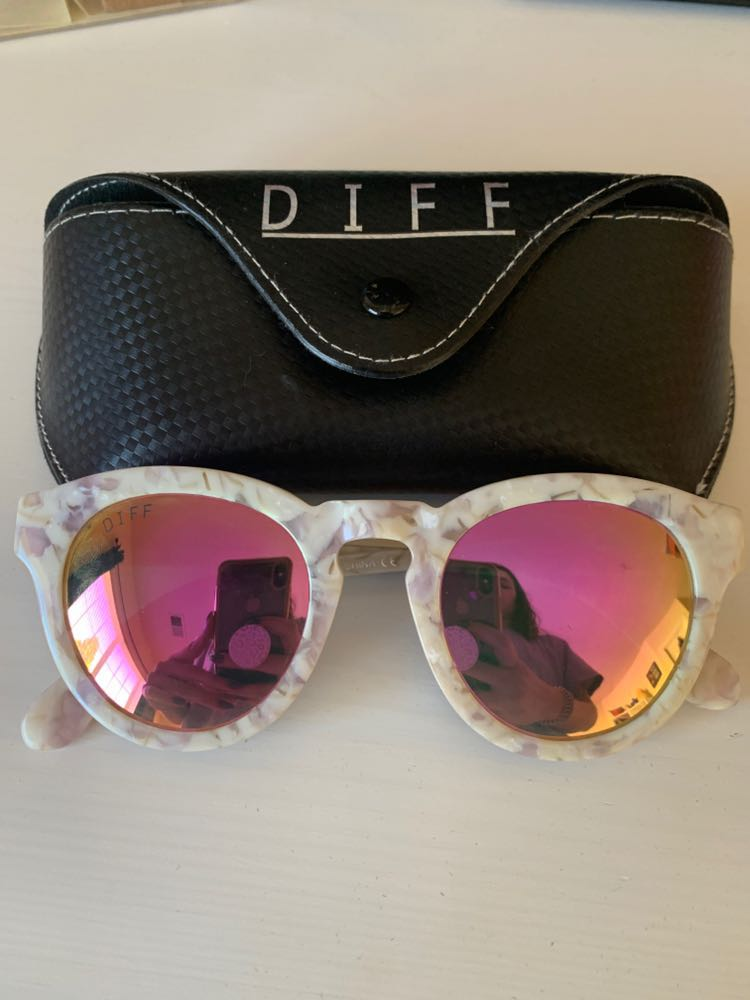 DIFF Eyewear Marble Frame With Pink Lenses