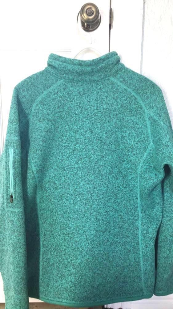 Turquoise Patagonia Pull Over
