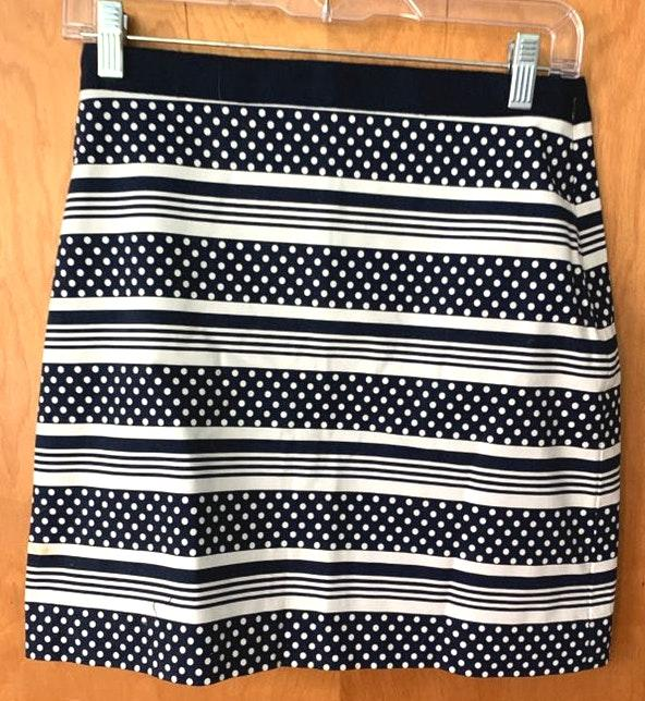 Vineyard Vines Blue And White Patterned Skirt