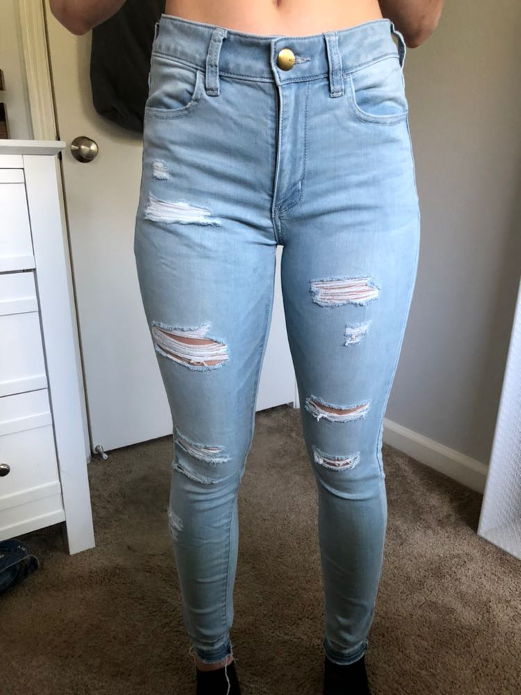 American Eagle Outfitters High Wasted ripped jeans