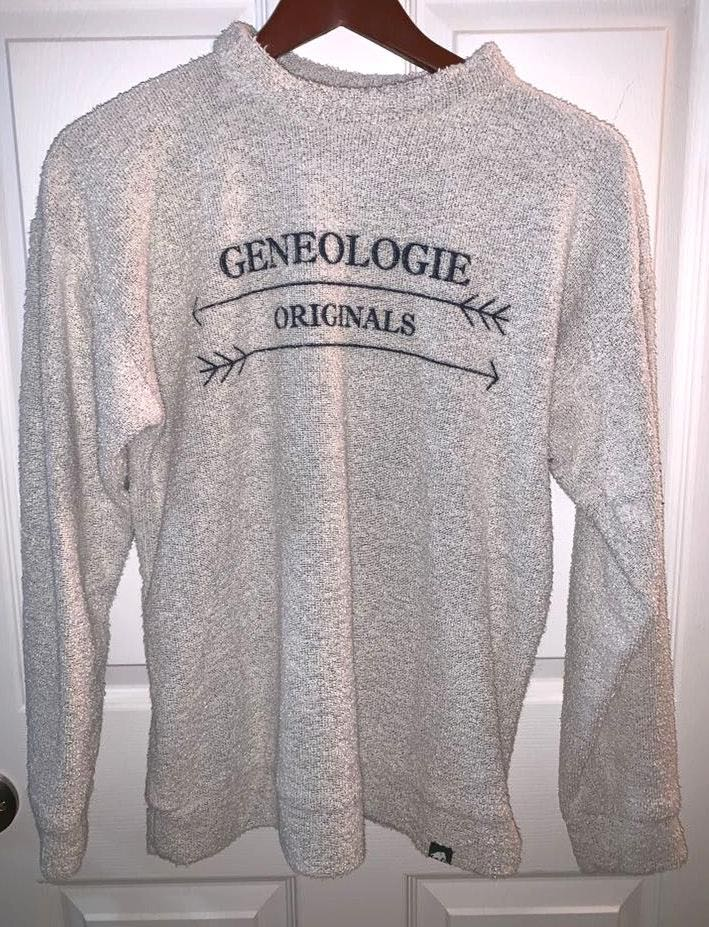 Woolly Threads White  Sweater/pullover. Says GENEOLOGIE ORIGINALS.