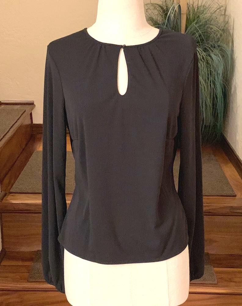 d9cda18d1b39cd We're the buy/sell app for cute clothes. Say to being bored of your  clothes. Home Old Navy Black Blouse