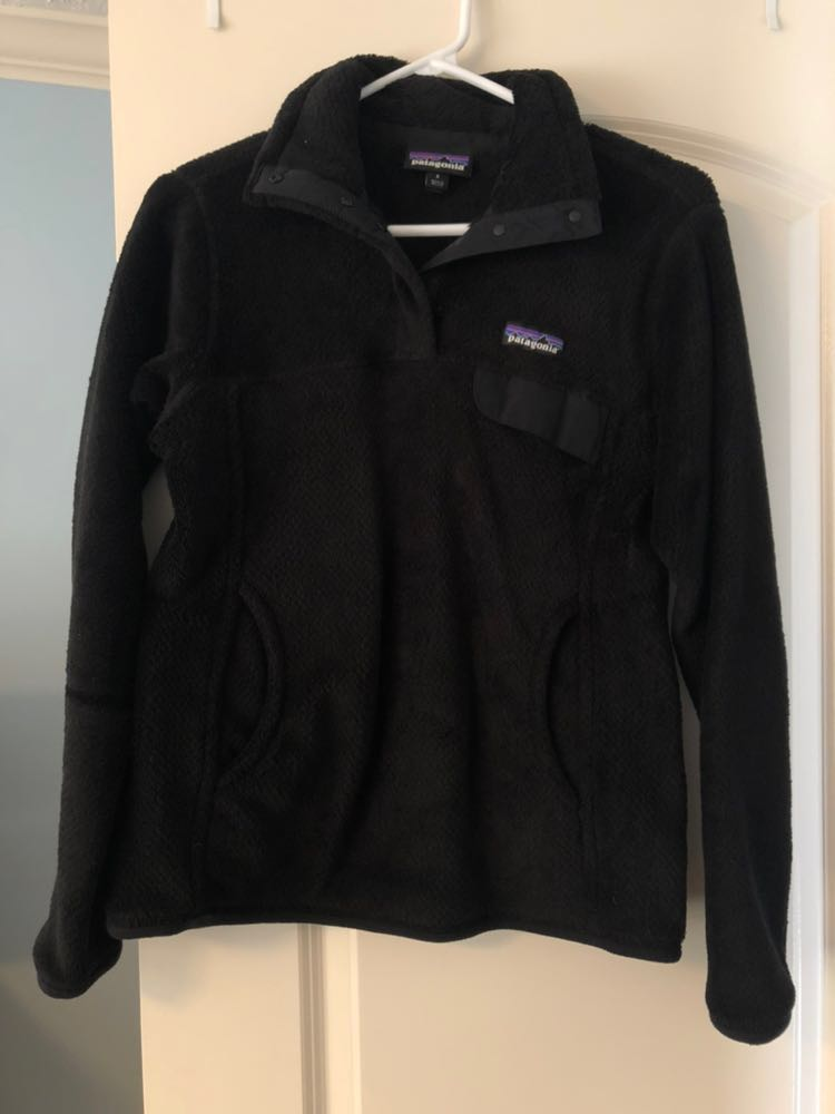 Patagonia black sweatshirt