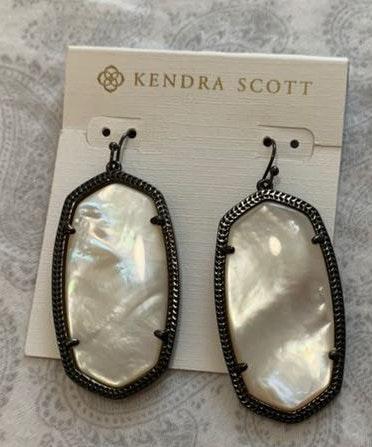 Kendra Scott Earrings. Only worn Once