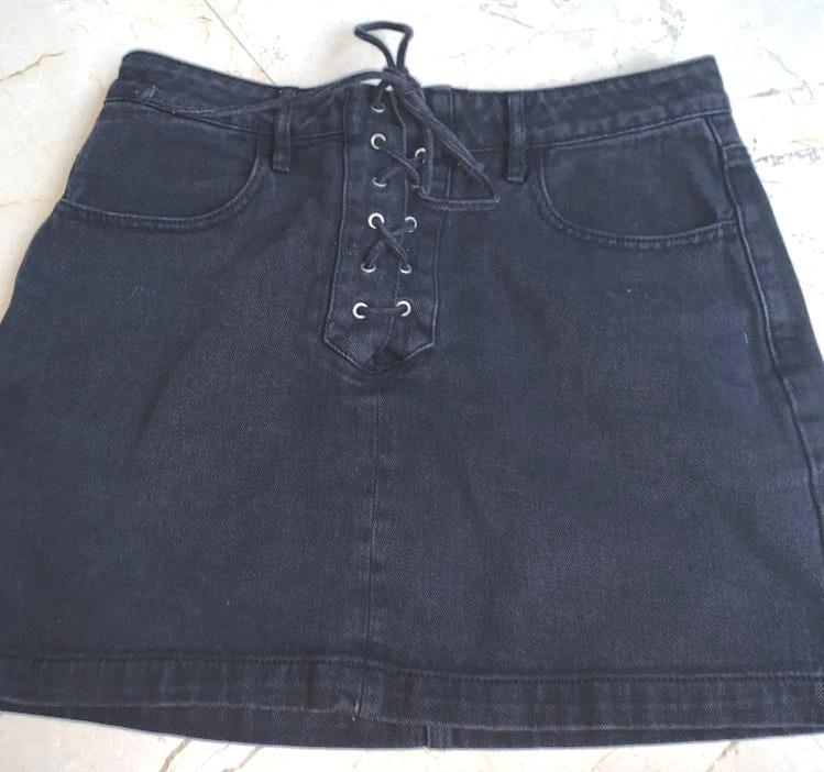 Kendall & Kylie black denim skirt