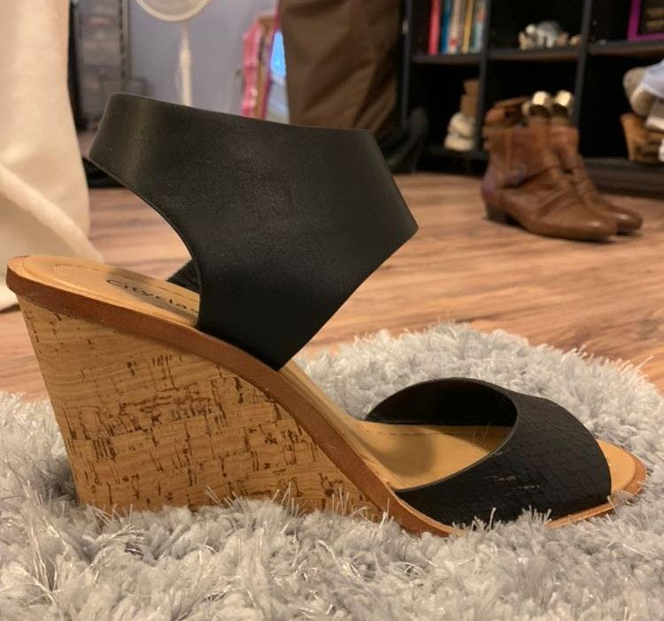city classified Black Wedges