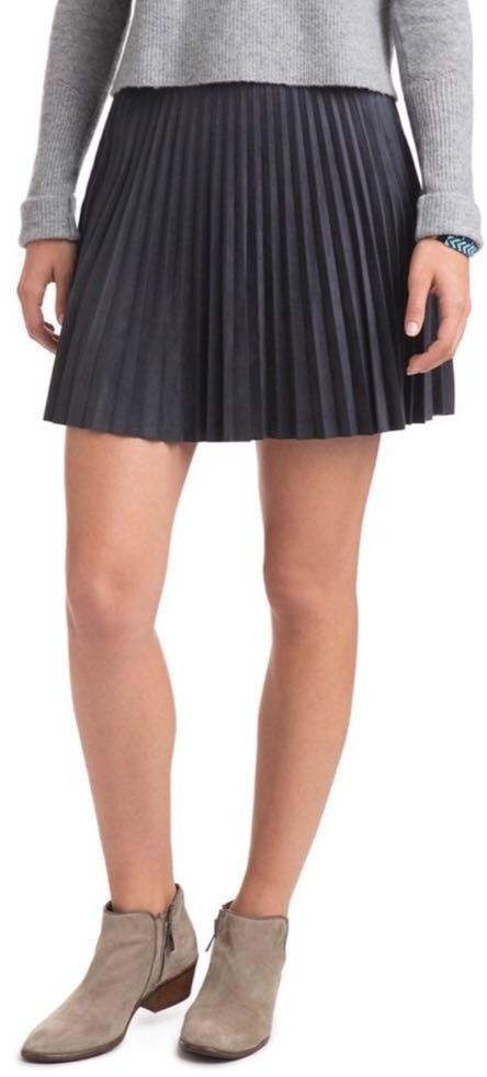 Vineyard Vines pleated Skirt