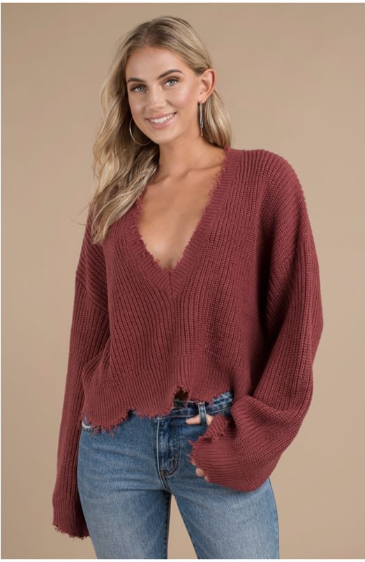 Tobi DISTRESSED OUT WINE CROPPED SWEATER