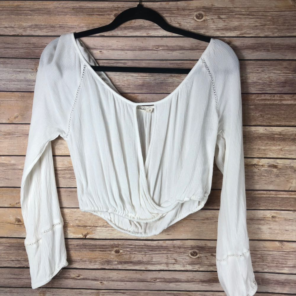 Chloe and katie Cropped Long Sleeve