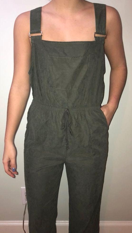 Entro army green jumper/overalls