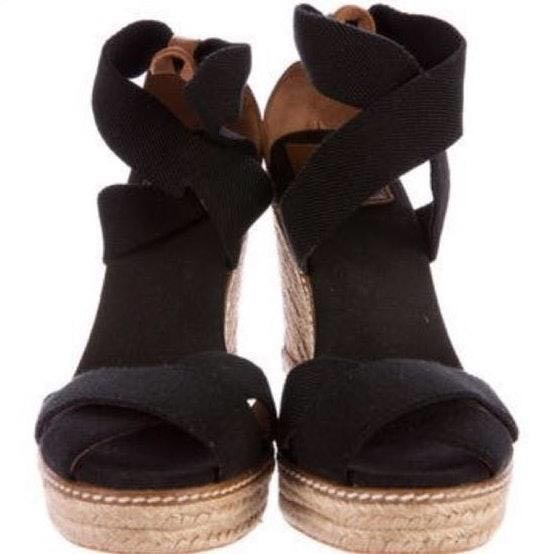 94194f48ec84 We re the buy sell app for cute clothes. Say to being bored of your  clothes. Home Tory Burch Black Wedges Sz ...
