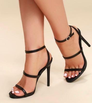 b653ddf6f99 Lulus NWT Black Three Strap Heels