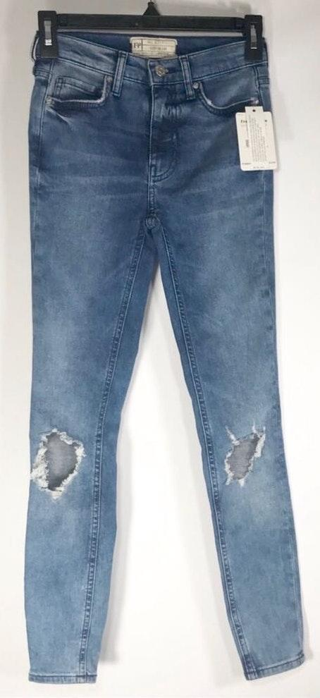 Free People Busted Knee Jeans Size 24