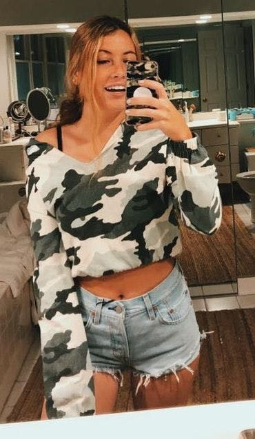 Urban Outfitters CAMO CROP HOODIE🤘