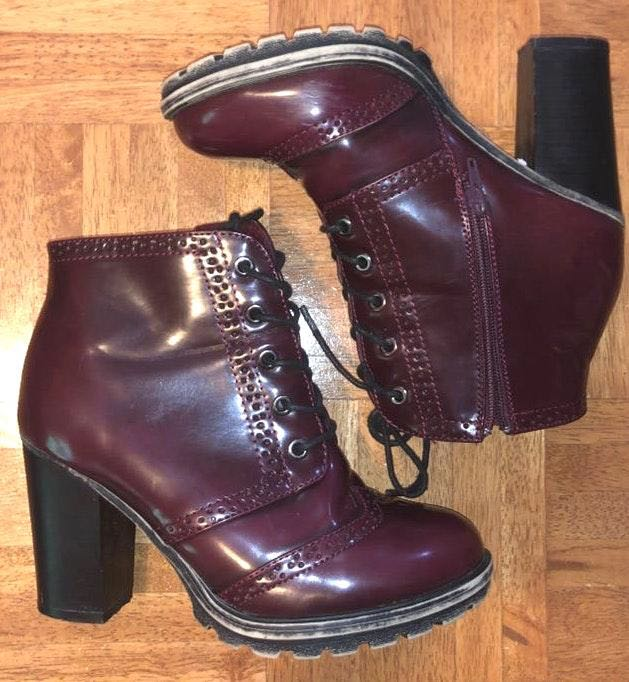 Bamboo Burberry color heeled boots