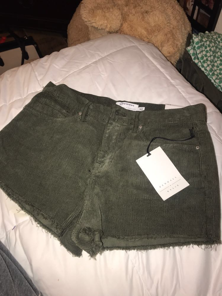 NWT Kendall&Kylie Kendall & Kylie Green Short