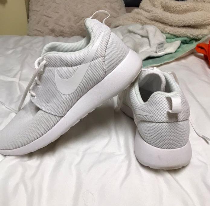 Nike White Roshes  3d132a1fd
