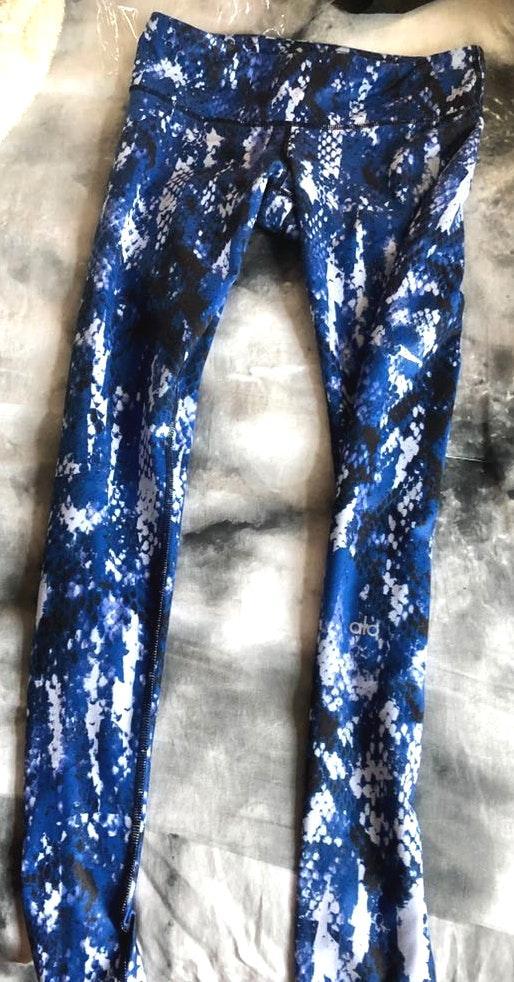 Alo Yoga Cobalt Blue Snakeskin Leggings