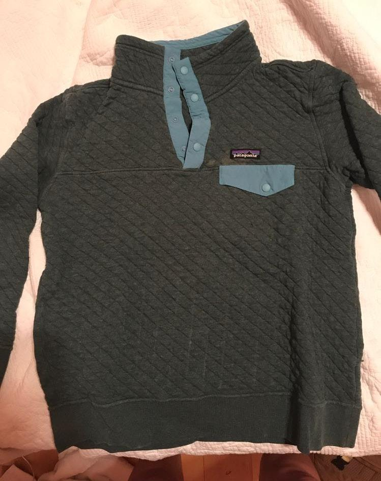 Patagonia Cotton Quilt Green Pullover. Some Imperfections Shown. Still in Great Condition!