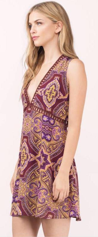 Tobi Maroon Paisley Dress