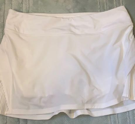 Lululemon White  Skirt ( Play Off The Pleats)