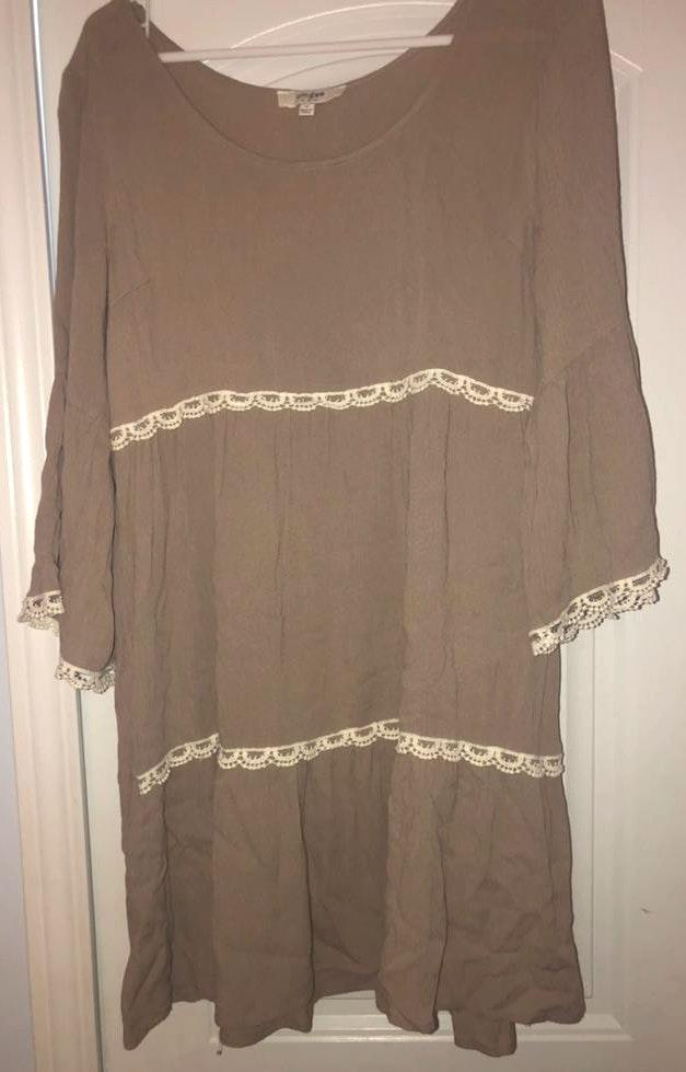 Umgee tan and cream lace dress