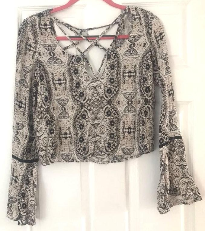 Kendall & Kylie Pattern Top With Criss Cross Top