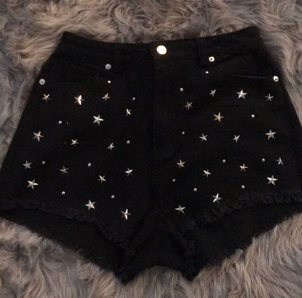 Black High Waisted Star Short